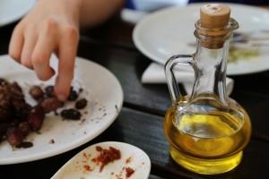中性脂肪を減らすためには良い油を食べるべき